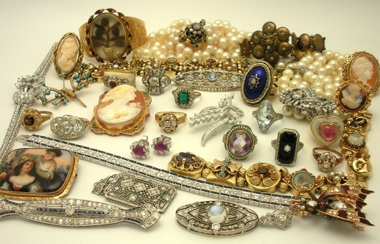 antique-jewellery-for-women